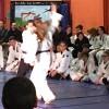 Démonstration d'arts martiaux au profit de la santé