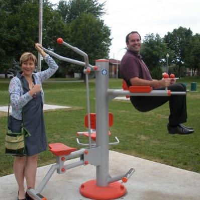 Nathalie_Simon et Denis_Brassard parc intergenerationnel Photo Ville de Chateauguay