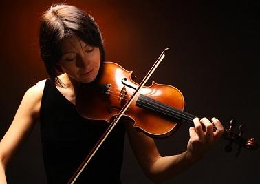 culture musique violon Photo CPA publiee par INFOSuroit.com_