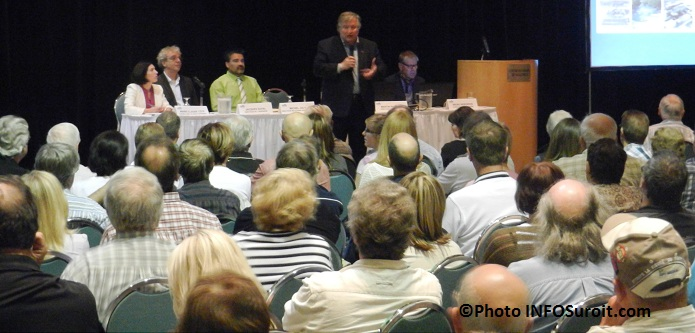 Consultation-centre-ville-Valleyfield-23-mai-Denis-Lapointe-Photo-INFOSuroit-com_