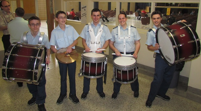Percussionnistes-cadets-air-escadron-729-Salaberry-Photo-courtoisie-publiee-par-INFOSuroit-com_