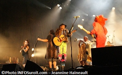 Cowboys-Fringants-aux-Regates-Valleyfield-juillet-2012-Photo-INFOSuroit-com_Jeannine-Haineault