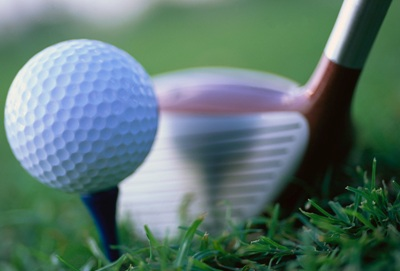 golf-balle-tee-baton-driver-decocheur-gazon-depart-Photo-CPA-publiee-par-INFOSuroit-com_