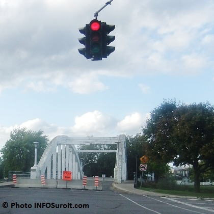 Pont-Blanc Valleyfield-fermeture-detour-barre-Photo-INFOSuroit-com_