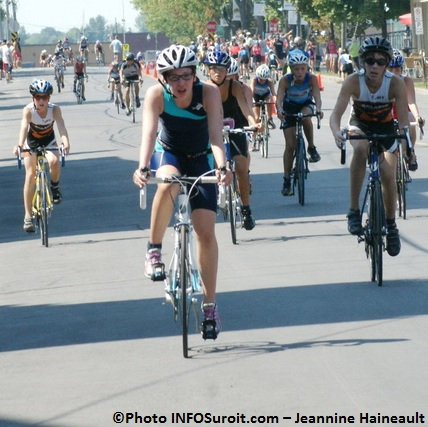 Triathlon-Valleyfield-2012-participantes-Epreuve-Velo-Photo-INFOSuroit-com_Jeannine-Haineault