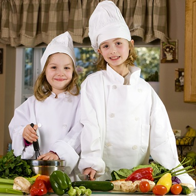 chef-cuisnier-legumes-frais-recette-enfants-Photo-CPA-publiee-par-INFOSuroit-com_