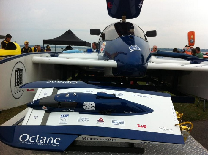H-32-Octane-hydroplane-et-modele-reduit-Photo-courtoisie-publiee-par-INFOSuroit-com_