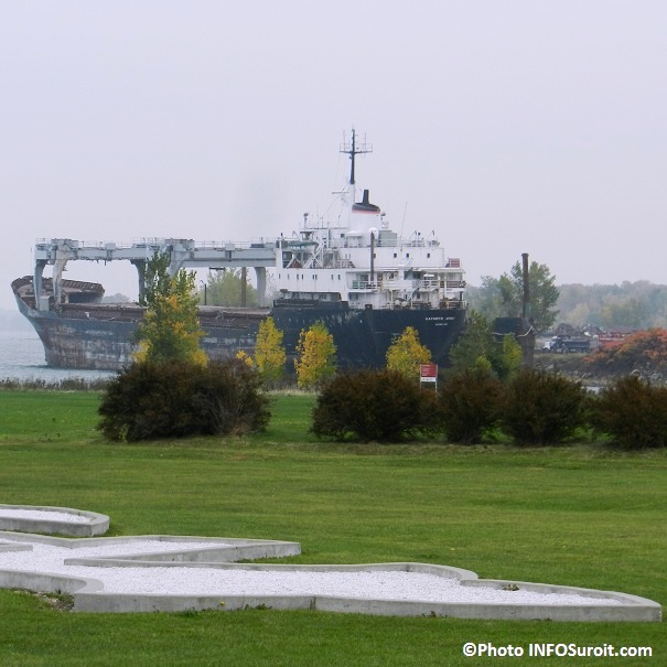 Beauharnois-Vieux-cargo-Kathryn-Spirit-lac-Saint-Louis-automne-2012-Photo-INFOSuroit-com_
