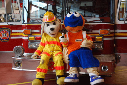 Mascottes-Pompiers-Chateauguay-PortesOuvertes-Photo-Division-des-Communications