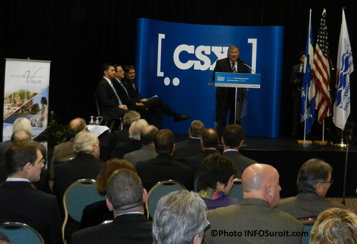 Annonce-CSX-a-Valleyfield-Denis_Lapointe-et-assistance-Photo-INFOSuroit_com