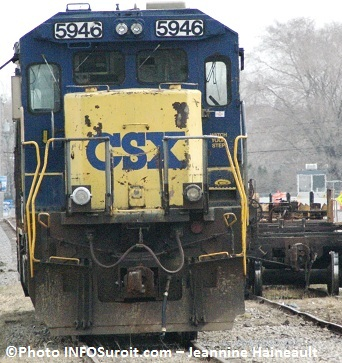 Locomotive-CSX-train-marchandise-Photo-INFOSuroit_com-Jeannine-Haineault