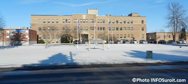 Hopital-Barrie-Memorial-Ormstown-batiment-principal-Photo-INFOSuroit_com