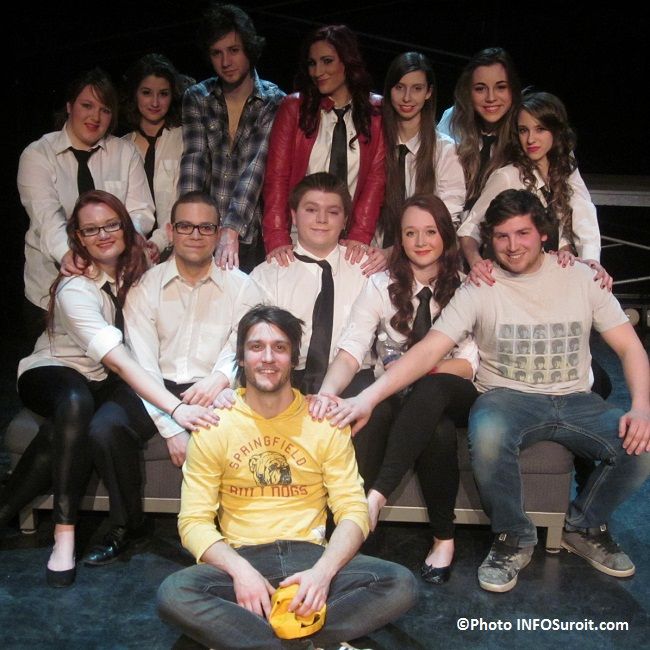 Troupe-principale-theatre-metteur-en-scene-technicien-College-de-Valleyfield-photo-INFOSuroit
