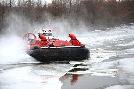 Operation-deglacage-sur-riviere-Chateauguay-Aeroglisseur-Photo-courtoisie