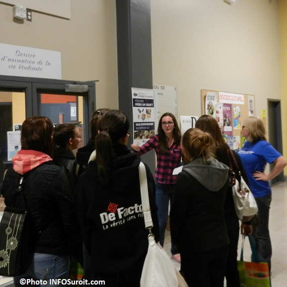College-de-Valleyfield-Portes-ouvertes-octobre-2013-visite-avec-eleves-du-secondaire-Photo-INFOSuroit_com