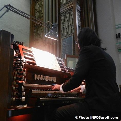 Melanie-Barney-organiste-Centenaire-eglise-Bellerive-Photo-INFOSuroit_com