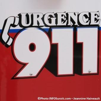 Urgence-9-1-1-sur-camion-service-securite-incendie-Ville-de-Beauharnois-Photo-INFOSuroit_com-Jeannine_Haineault