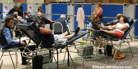 Collecte-de-sang-du-maire-de-Valleyfield-donneurs-infirmieres-Hema-Quebec-et-benevoles-Photo-INFOSuroit