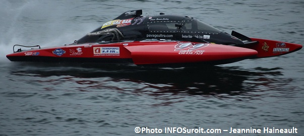 regates-Valleyfield-hydroplane-H99-Norm_Ensbury-classe-Hydro-350-Photo-INFOSuroit_com-Jeannine_Haineault