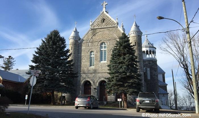 Eglise et centre communautaire Saint-Anicet photo INFOSuroit_com