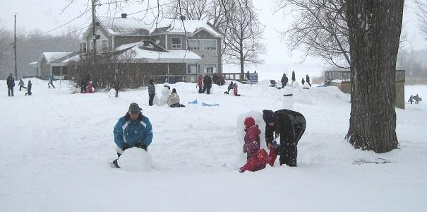 Journee d hiver des Amis du parc regional des Iles bonhomme de neige Photo courtoisie