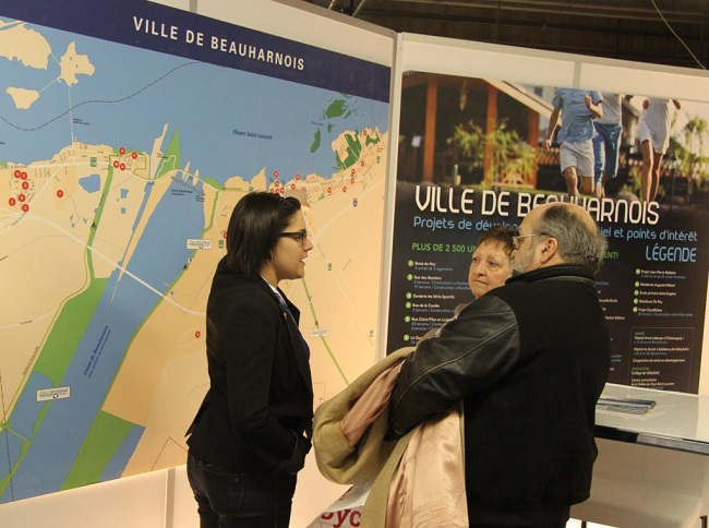 M_Lussier_Trepanier-Kiosque-Beauharnois-Salon-Expohabitation-Montreal-photo-courtoisie-publiee-par-INFOSuroit_com