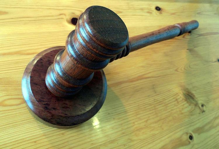justice cour marteau maillet juge Photo Pixabay