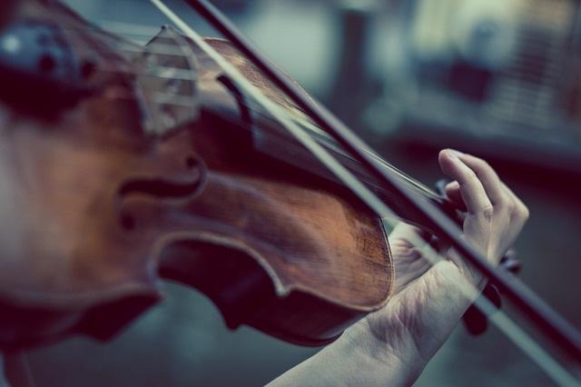 Violon-instrument-musique-classique-photo-Pixabay-publiee-par-INFOSuroit_com