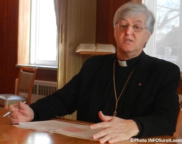 Mgr Noel_Simard eveque du Diocese_de_Valleyfield Photo INFOSuroit_com