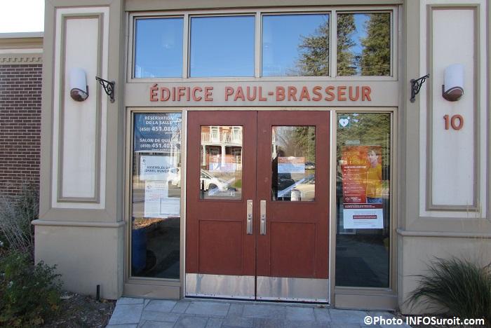 Edifice Paul-Brasseur a Rigaud entree Photo INFOSuroit_com
