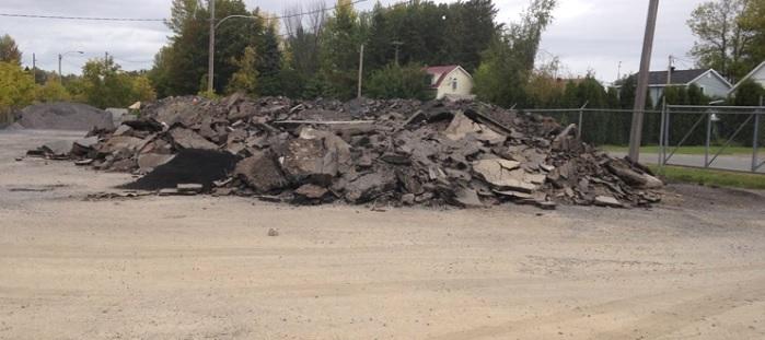 la municipalit d ormstown veut liquider un surplus de vieil asphalte. Black Bedroom Furniture Sets. Home Design Ideas