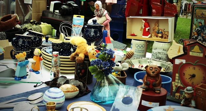 vente de garage vaisselle bibelots debarras trouvailles Photo Pixabay via INFOSuroit_com