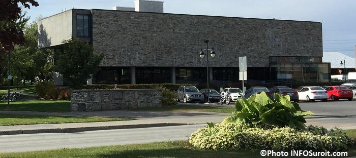 Bibliotheque municipale Ville de Chateauguay Photo INFOSuroit_com