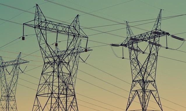 Pylones-electriques-electricite-photo-pixabay-publiee-par-INFOSuroit_com