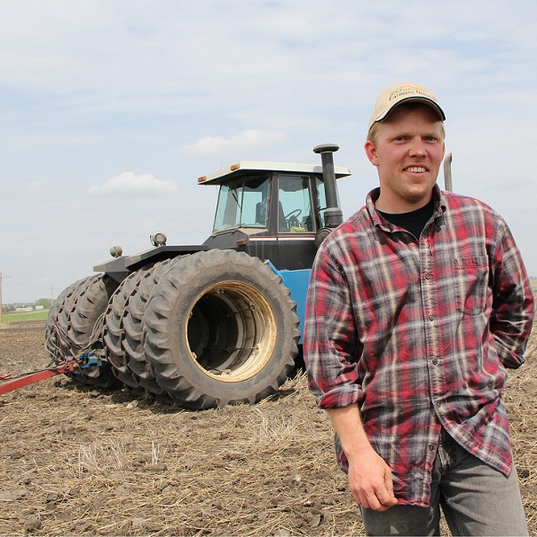 agriculture-mecanique-agricole-tracteur-fermier-Photo-Pixabay-via-INFOSuroit