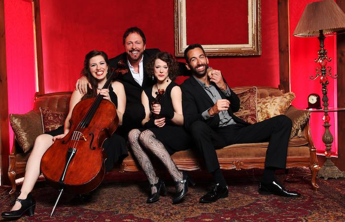 Gino_Quilico et trio Atmosphere pour spectacle Serata d amore Copyright Photo Maxime_Tremblay courtoisie N_Dorais