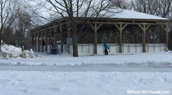 patinoire hockey parc regional des iles St-Timothee Photo INFOSuroit_com