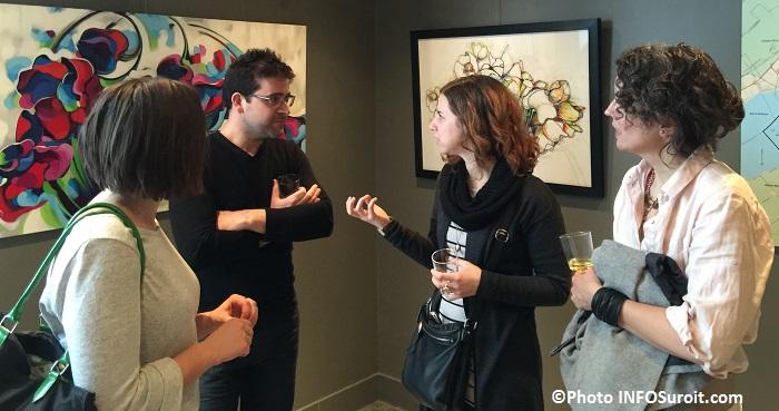 expo Karine_Dagenais a galerie d art MRC avec visiteurs photo infosuroit