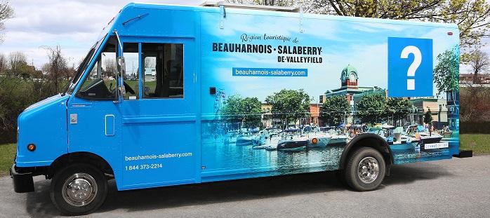 Kiosque-mobile-d-Information-Touristique-cld-beauharnois-salaberry-photo-courtoisie