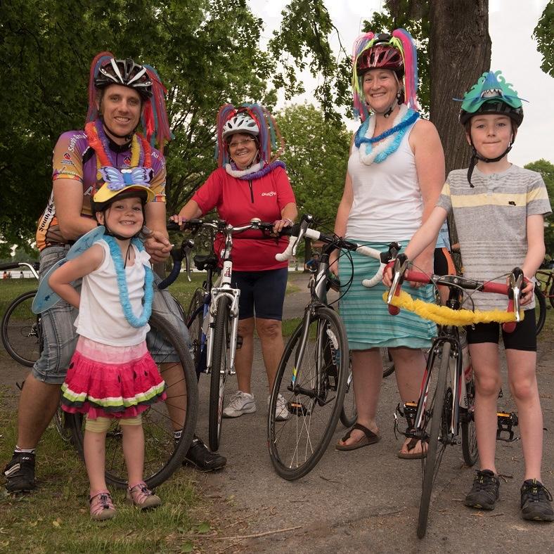 Viree_Velo 2016 des participants famille cyclistes Photo courtoisie FHS