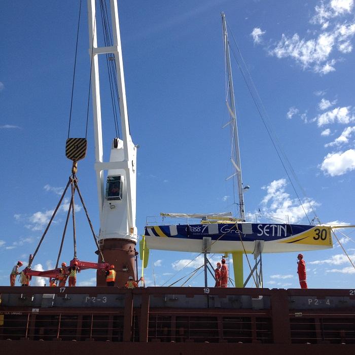 Voilier Groupe Setin employes Valport mise a l eau au Port de Valleyfield Photo courtoisie SPV