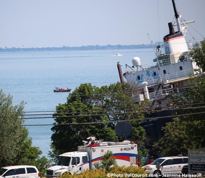 bateau Kathryn Spirit helicoptere RDI Radio-Canada a Beauharnois Photo INFOSuroit-Jeannine_Haineault