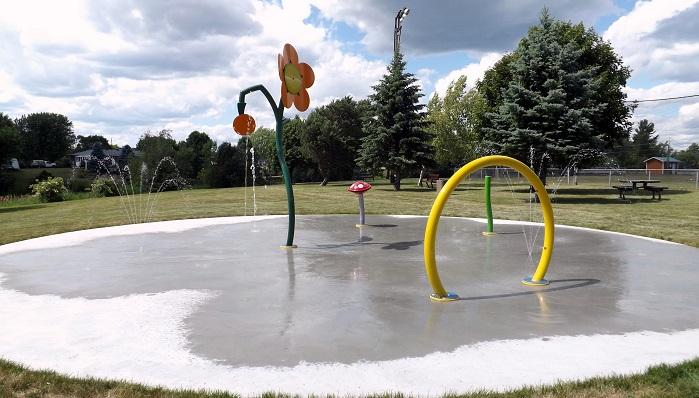 jeux d eau parc ecole Saint-Etienne-de-Beauharnois Photo courtoisie GM