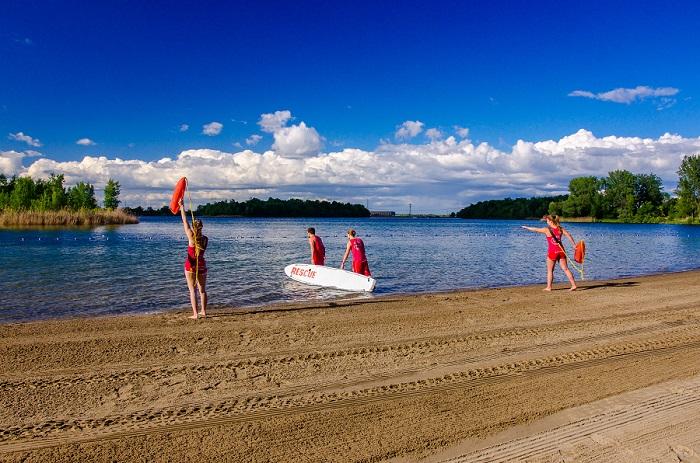 sauveteurs plage du parc regional des iles de Saint-Timothee Photo courtoisie SdV
