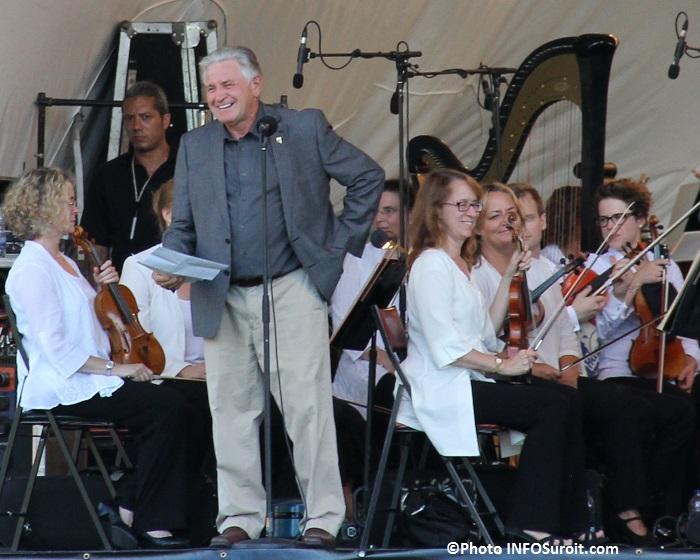 OSM a Rigaud le maire Hans_Gruenwald_Jr souhaite bienvenue Photo INFOSuroit