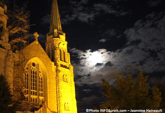 basilique-cathedrale Sainte-cecile a Valleyfield soir juillet 2016 Photo INFOSuroit_com-Jeannine_Haineault