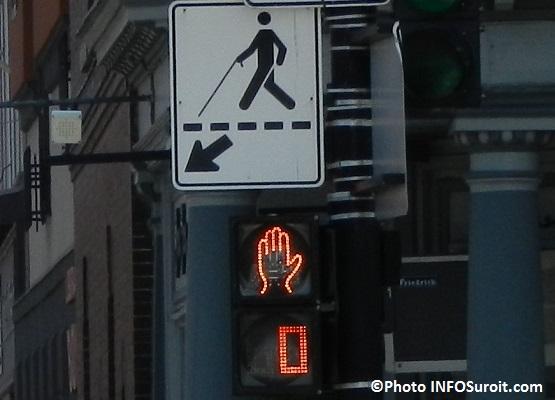 panneau signalisation traverse pieton Photo INFOSuroit