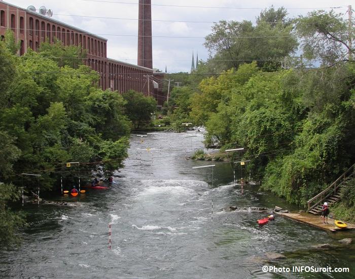 riviere St-Charles kayak en eau vive pres Tourelliere et Hotel Plaza Valleyfield Photo INFOSuroit
