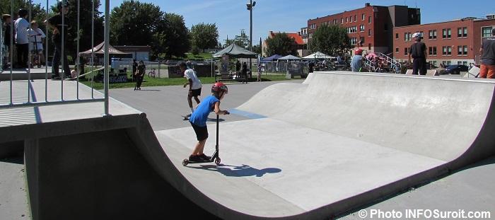SkatePark a Beauharnois avec riders skate scooters et BMX Photo INFOSuroit_com