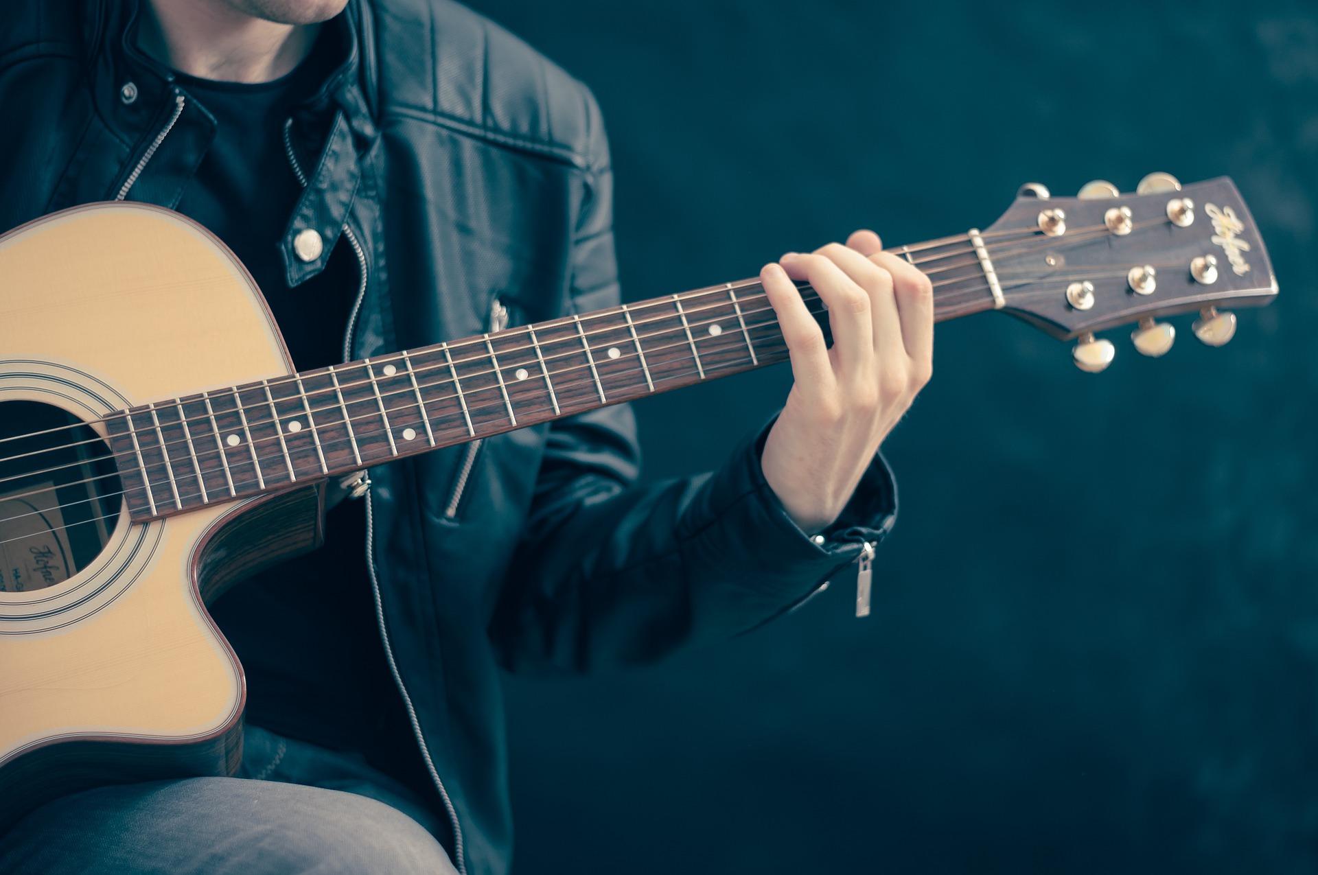 culture musique guitare Photo Pixabay via INFOSuroit